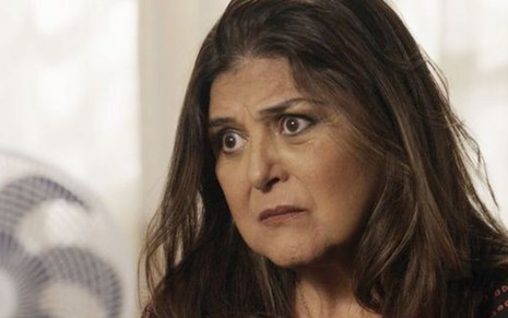 Aurora (Elizângela) em cena; atriz quer punição para traficante no final de A Força do Querer - Reprodução/TV Globo