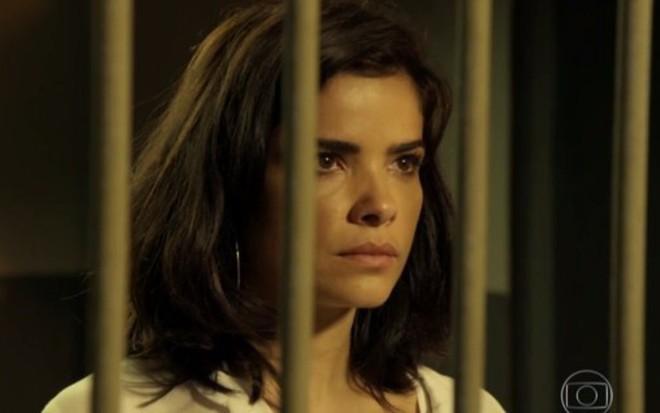 Vanessa Giácomo (Toia) passa últimos capítulos presa em A Regra do Jogo, da Globo - Reprodução/TV Globo