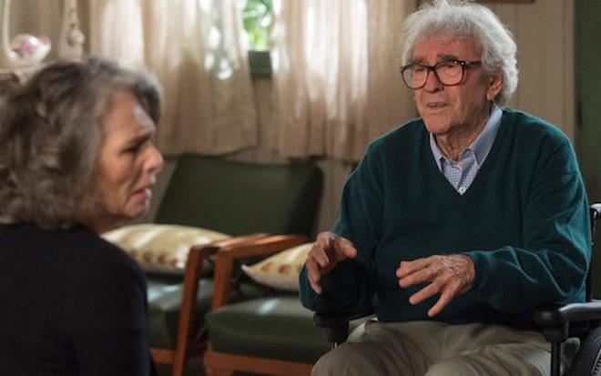 ce5578f150fb9 Além do Tempo  Vitória visita Alberto no hospital para se aproximar ...