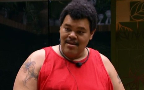 Babu Santana dentro do confinamento do BBB20