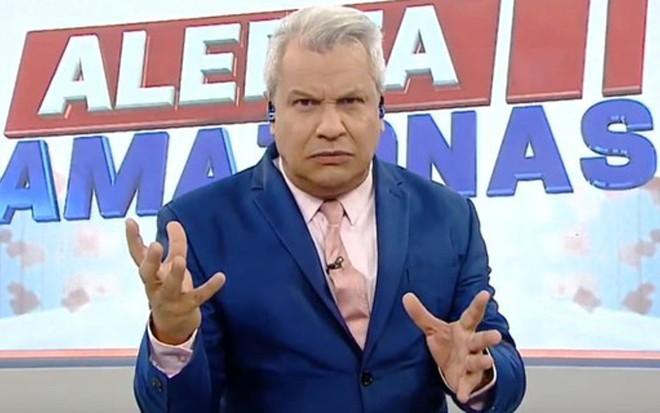 Foi buscar em Manaus | RedeTV! promove apresentador que derrota JN todo dia