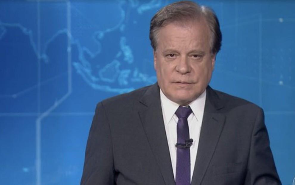 Chico Pinheiro no JN de sábado, em que anunciou a prisão de Lula (e alguns viram lágrimas em seus olhos) - Reprodução/TV Globo