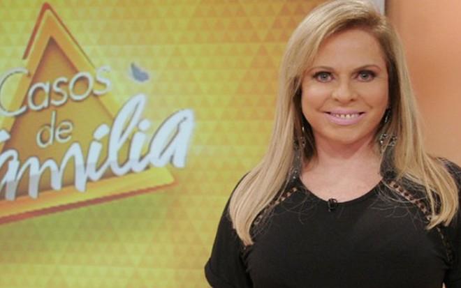 Christina Rocha, que não ficou fora do ar nem um dia desde que assumiu o Casos de Família - Gabriel Cardoso/SBT