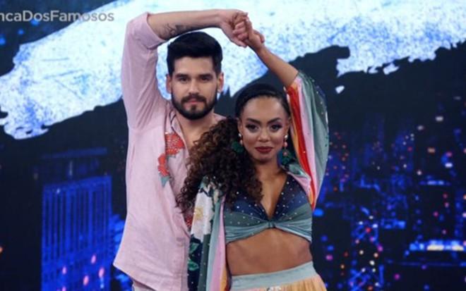 Dança dos Famosos | Dandara perde liderança; fãs se irritam com Carol Nakamura