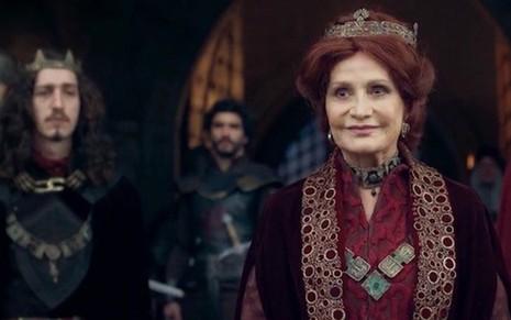 O príncipe Rodolfo (Johnny Massaro) em cena com a rainha Crisélia (Rosamaria Murtinho) - Reprodução/TV Globo