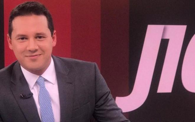 O apresentador Dony De Nuccio no Jornal das Dez, que apresenta na GloboNews desde 2015 - Divulgação/GloboNews