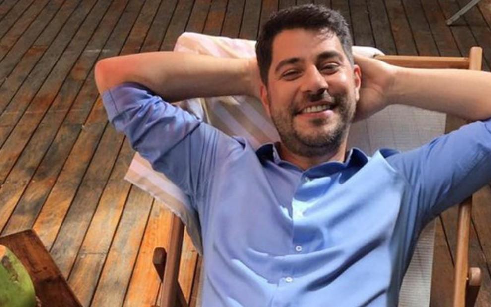 Evaristo Costa gravou vídeos comerciais para uma empresa que o patrocina e comemorou sua volta ao trabalho - REPRODUÇÃO/INSTAGRAM