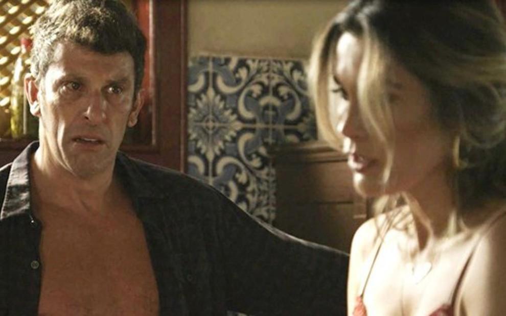 0dc21020a Machado (Milhem Cortaz) com Rita de Cássia (Flávia Alessandra) na novela das