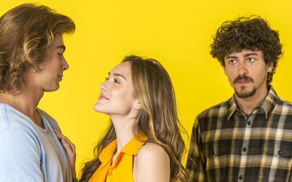 Rafael Vitti e Isabelle Drummond formarão um casal, e Jesuíta Barbosa será o vilão invejoso de Verão 90 - Fotos: João Cotta/TV Globo