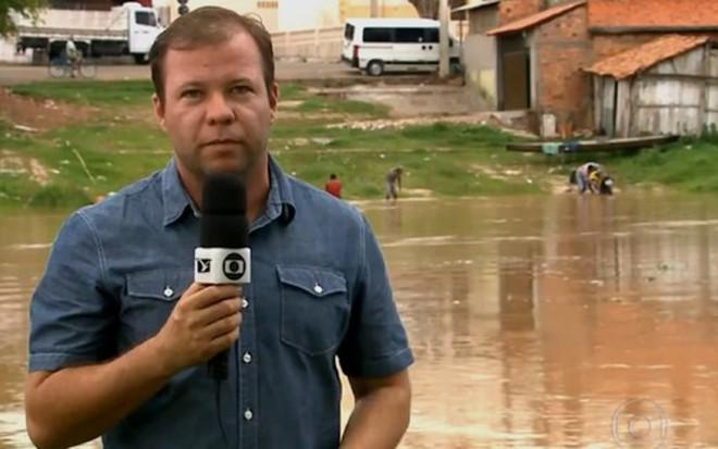 Alex Barbosa em reportagem sobre inundações no Maranhão exibida pelo Bom Dia Brasil - Reprodução/TV Globo