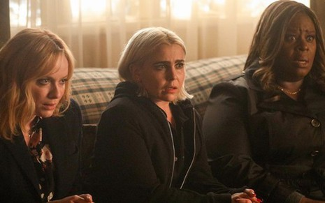 As atrizes Christina Hendricks, Retta e Mae Whitman na segunda temporada da comédia Good Girls - Divulgação/NBC
