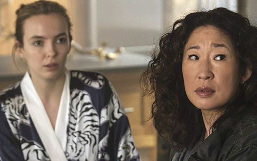 As atrizes Jodie Comer e Sandra Oh em cena da segunda temporada do drama Killing Eve