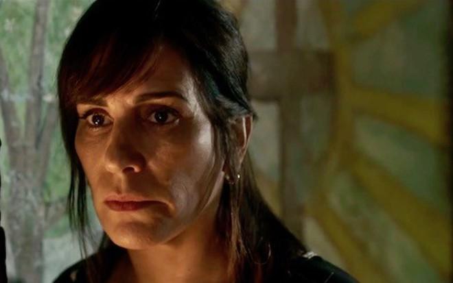 Duda (Gloria Pires) em cena; dona do bordel vai parar na UTI em O Outro Lado do Paraíso - Reprodução/TV Globo