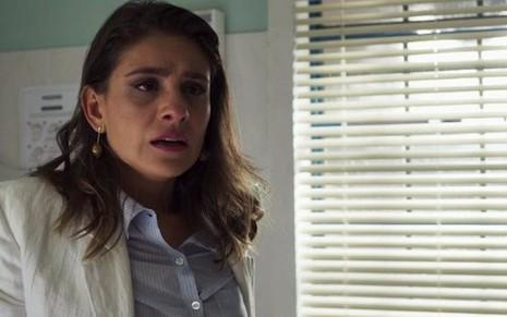 Tnia Patrcia Elizardo ser obrigada a revelar que espera filho de garimpeiro na trama - ReproduoTV Globo