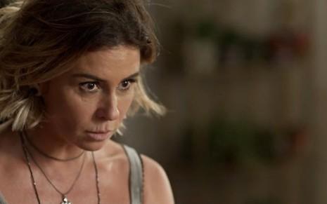 Luzia (Giovanna Antonelli) chegará à conclusão de que tem um terceiro filho com 18 anos - Fotos: Reprodução/TV Globo