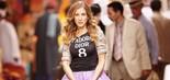 A atriz Sarah Jessica Parker exibe uma cobiçada camisa da marca Dior em cena da comédia Sex and the City