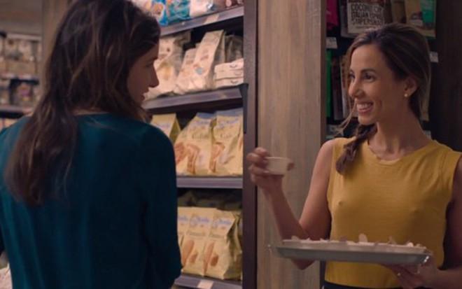 Estreia na TV americana   Tania Khalill protagoniza cena de sexo com mulher