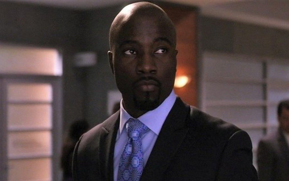 Mike Colter em The Good Wife na pele do traficante Lemond Bishop; ele estará em The Good Fight - Divulgação/CBS