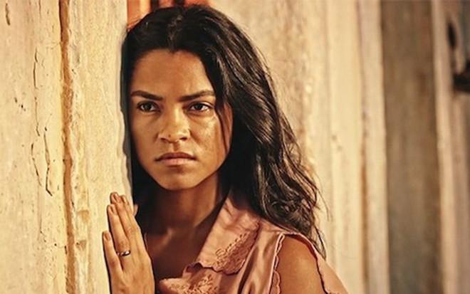 Lucy Alves (Luzia) se mostrará diferente nos próximos capítulos de Velho Chico, da Globo - Reprodução/TV Globo