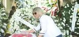 Mary Mallandro, ex-mulher de Sergio Mallandro, no velório de Wagner Montes (foto: Daniel Pinheiro/AgNews)