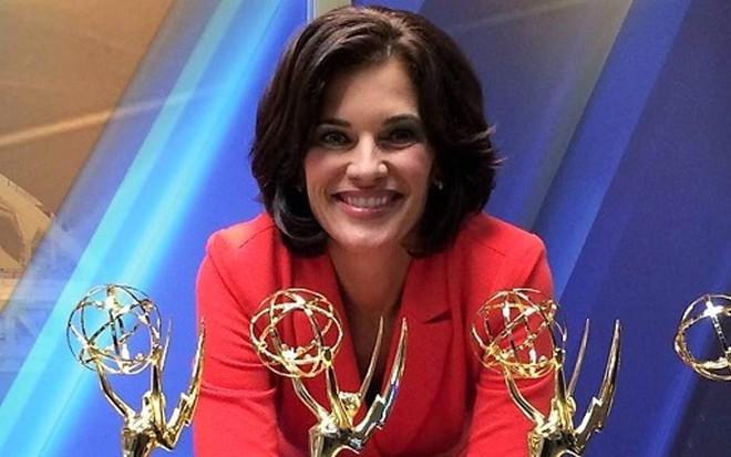 A jornalista Wendy Bell ostenta 5 estatuetas do Emmy; âncora foi demitida após 18 anos no ar - Reprodução/Facebook