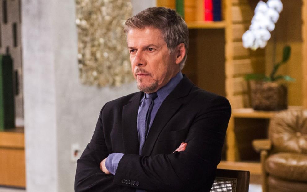 José Mayer em A Lei do Amor; contrato do ator com a Globo venceu em dezembro e não foi renovado - João Miguel Jr.TV Globo