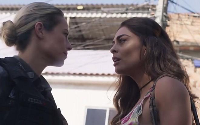 Paolla Oliveira (Jeiza) e Juliana Paes (Bibi) em cena de A Força do Querer, novela das nove - Reprodução/TV Globo
