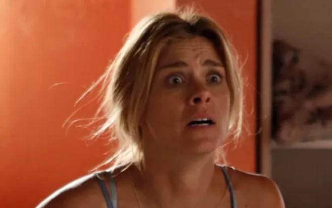 Carolina Dieckmann (Lara) na cena que vai ao ar hoje (31) em A Regra do Jogo - Ellen Soares/TV Globo