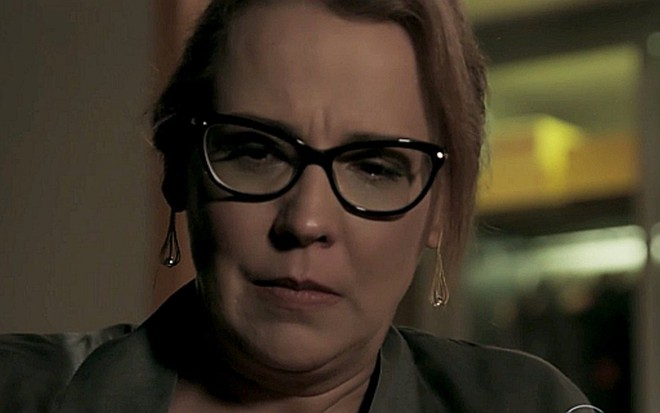 0b7191bd19255 Emília (Ana Beatriz Nogueira) planeja vingança contra a mãe em Além do  Tempo,