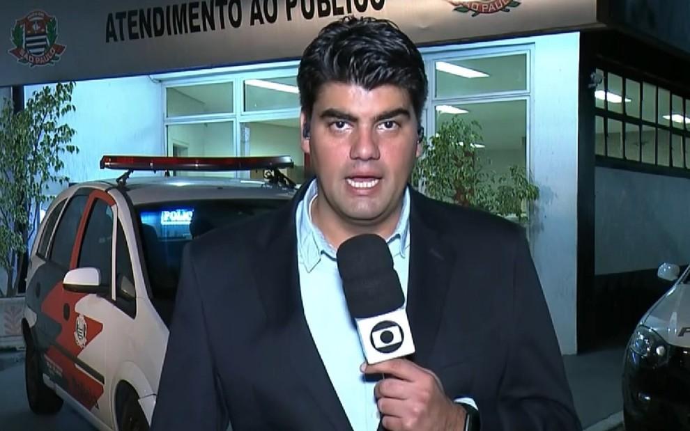 André Azeredo em entrada ao vivo no Bom Dia São Paulo: jornalista apresentará concorrente na Record - Reprodução/TV Globo