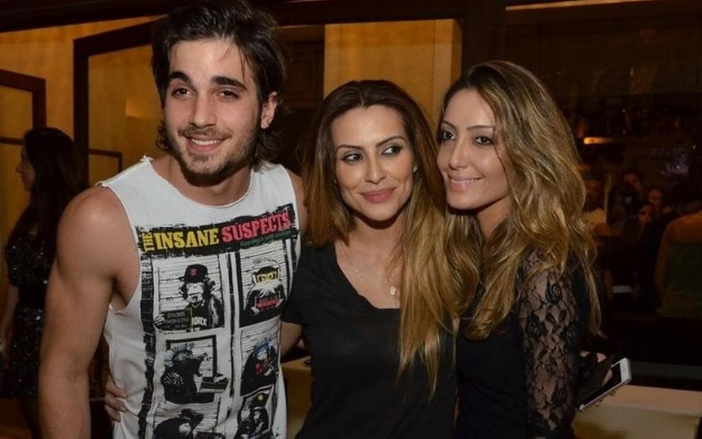 Irmãs de Fiuk somem da web após cantor decepcionar fãs no BBB21 · Notícias da TV