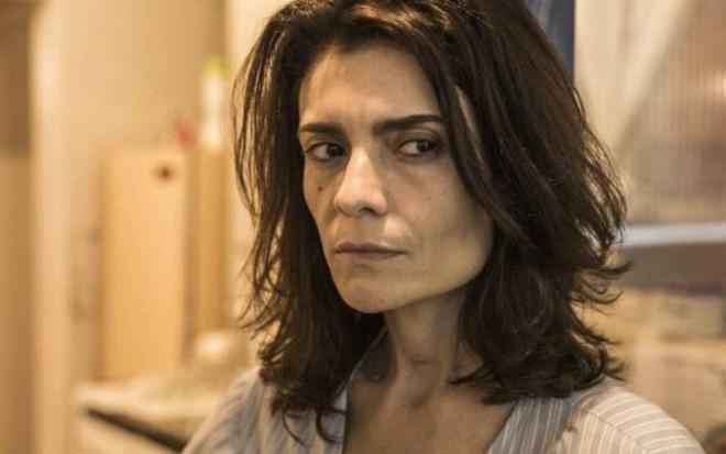 Amor de Mãe   Arieta Corrêa acredita que Leila é doente: 'Falta de amor'