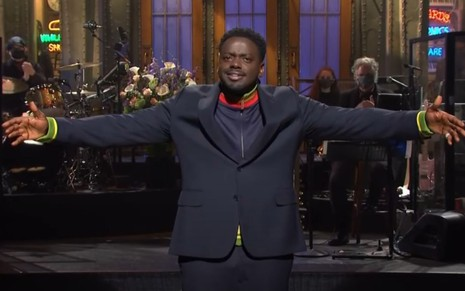 Daniel Kaluuya faz o seu monólogo de abertura do humorístico Saturday Night Live