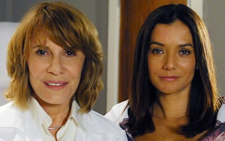 As atrizes Renata Sorrah e Monica Carvalho como as personagens Danielle e Glória da novela Fina Estampa, da Globo