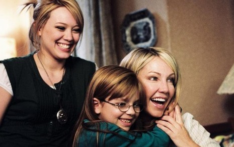 Hilary Duff, Aria Wallace e Heather Locklear contracenam no filme Paixão de Aluguel (2005)