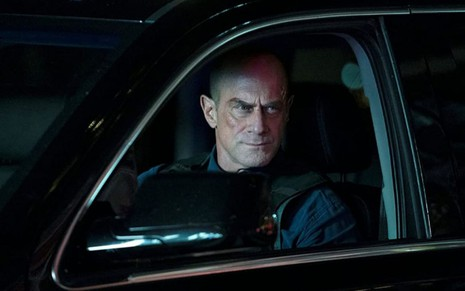 Christopher Meloni em cena da primeira temporada de Law & Order: Organized Crime