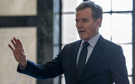 Bryan Cranston em cena da minissérie Your Honor