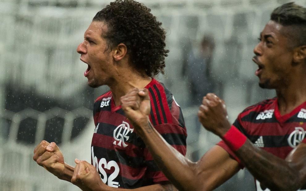 O Flamengo de Willian Arão (à esq.) e Bruno Henrique enfrenta o Athletico-PR neste domingo (26) - ALEXANDRE VIDAL/FLAMENGO