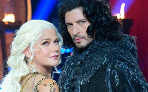 Xuxa e Leandro Lima como Daenerys Targaryen e Jon Snow, personagens de Game of Thrones - Divulgação/RecordTV