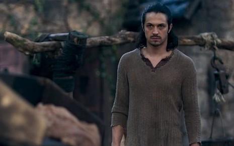 Romulo Estrela (Afonso) em cena de Deus Salve o Rei; mocinho será esquecido pela amada - Reprodução/TV Globo