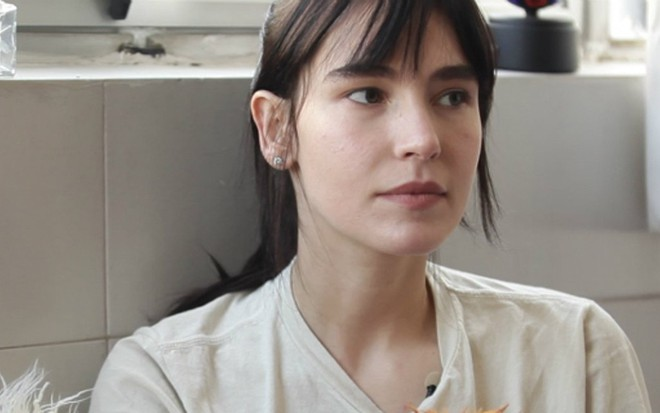 A modelo e apresentadora Ellen Milgrau em entrevista ao webprograma Senta  que lá Vem! - bfef1713a3