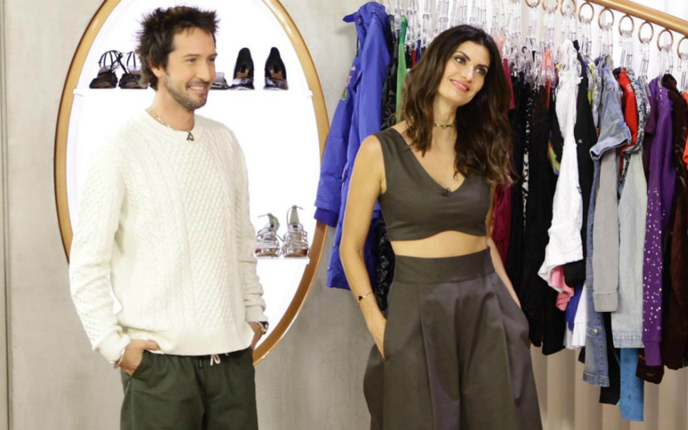 2ceb3cd42 Arlindo Grund e Isabella Fiorentino no cenário do Esquadrão da Moda
