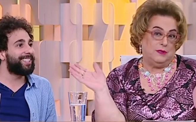 Mamma Bruschetta recebe o humorista Murilo Couto no estúdio do Fofocando na quinta (1º) - Reprodução/SBT