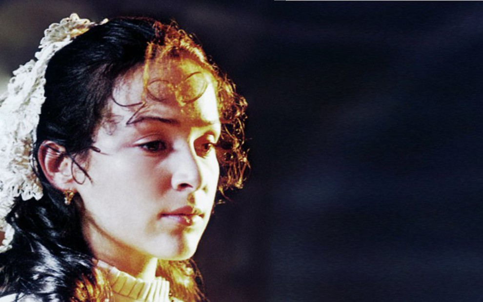 Gabriela Duarte em cena de Chiquinha Gonzaga: minissérie de 1999 é alvo de ação na Justiça - Divulgação/TV Globo