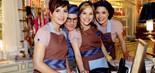 Letícia (Amanda Acosta), Tobias (Pedro Lemos), Clara (Letícia Navas) e Carol (Manuela do Monte), funcionários do Café Boutique (Foto: Lourival Ribeiro/SBT)