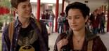 Os atores Noah Foster e Bex Taylor-Klaus interpretam dois dos 12 suspeitos de serem o assassino que atormenta os moradores de Lakewood em Scream (Pânico), segundo drama produzido pela MTV