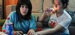 Protagonizada pelas atrizes Abbi Jacobson e Ilana Glazer, a comédia Broad City (Comedy Central) mostra a rotina maluca de duas jovens solteiras em Nova York, com maconha e sexo casual como parte do roteiro