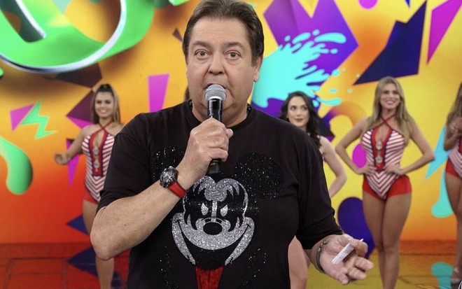 01289d8dd Faustão aparece com visual divertido de Carnaval e faz sucesso com  internautas · Notícias da TV