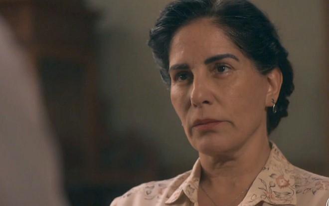 Éramos Seis | Cansada de humilhação, Lola dá o troco e faz Júlio bufar de ódio