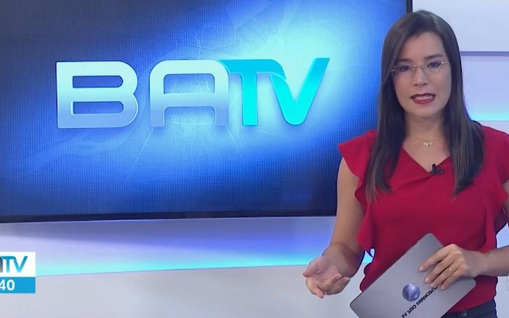 """Globo demite 40 jornalistas na Bahia por queda de audiência. A âncora revoltada, xingou o Presidente no Instagram e pediu """"Lula Livre!"""""""